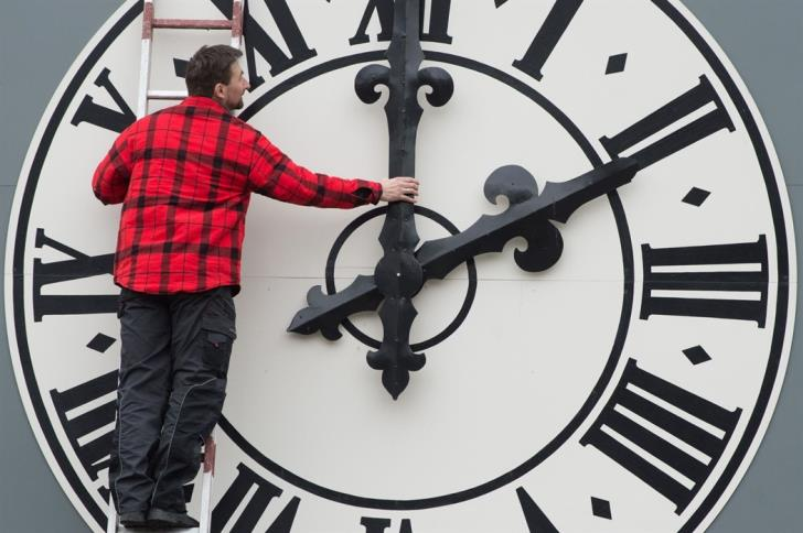 EP committee proposes ending clock change in 2021